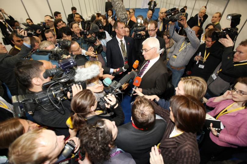 Alistair Darling swamped by media at G20 Summit